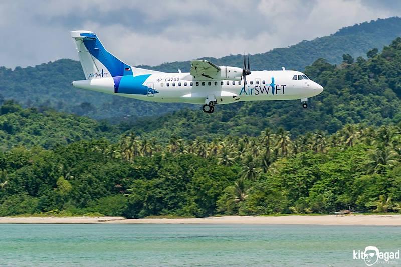 Air Swift Plane Landing In Palawan, in El Nido